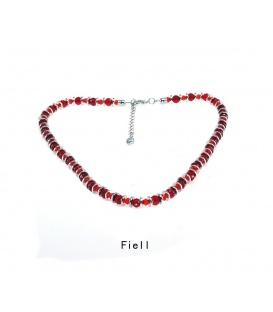 Rode kralen halsketting met zilverkleurige metalen elementen