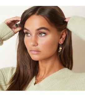 Zilverkleurige oorhangers met bungelende cirkels, parels en kleurtjes