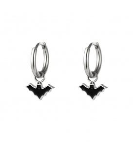 Zilverkleurige oorbellen met een zwarte vleermuis