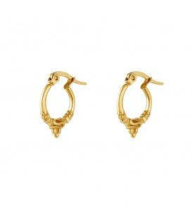 Goudkleurige oorbellen met een vintage look
