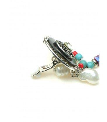Ronde oorclips met parelmoer, waterpareltjes en bedel