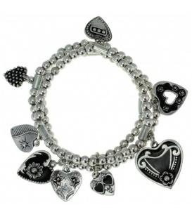 Zilverkleurige armband met verschillend bedels in de vorm van een hart