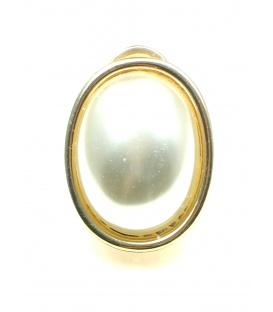 Goudkleurige ovale oorbellen met halve parel inleg