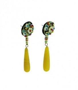 Gele oorbellen met als hanger fantasy