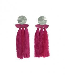Fuchia roze oorclip met rond element en 3 kwasten
