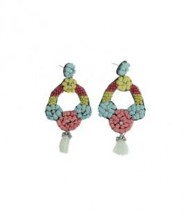 Gekleurde oorbellen van kralen en kwast